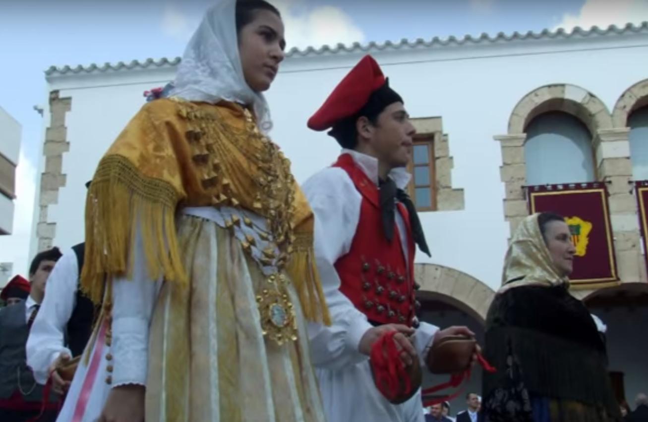 Vestidos tradicionales del Ball pages