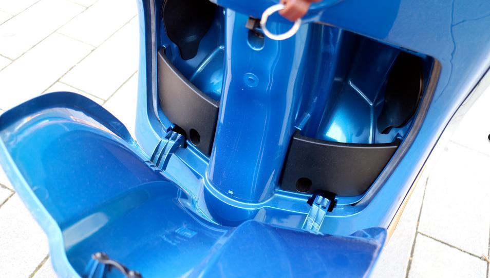Porta objetos y equipajes Vespa Sprint 125cc