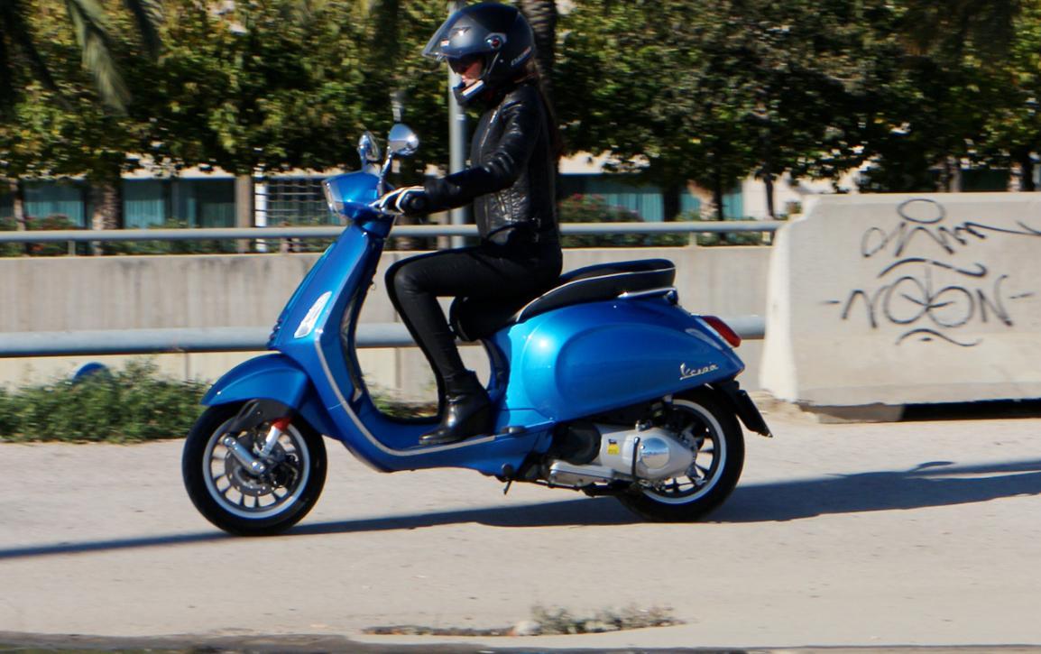 Vespa Motor Sprint 125 alquiler moto Ibiza