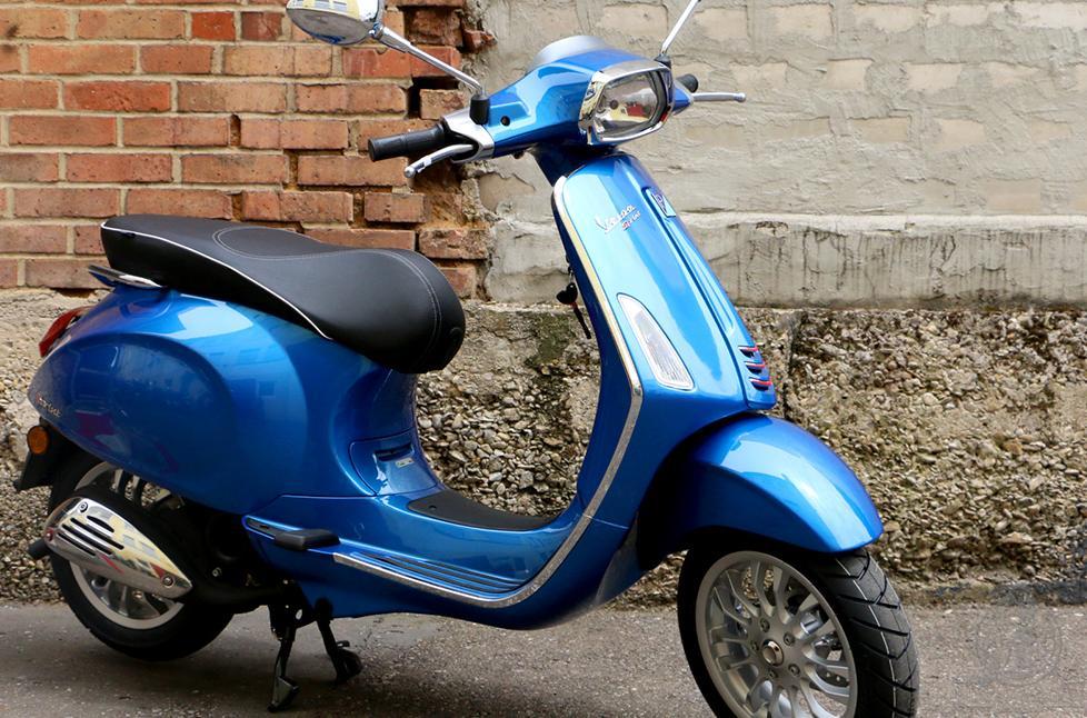 Prueba Vespa Motor Sprint 125 alquiler moto Ibiza