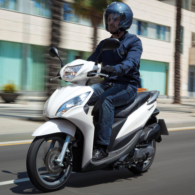 Prueba Honda Vision 110 CV Ibiza