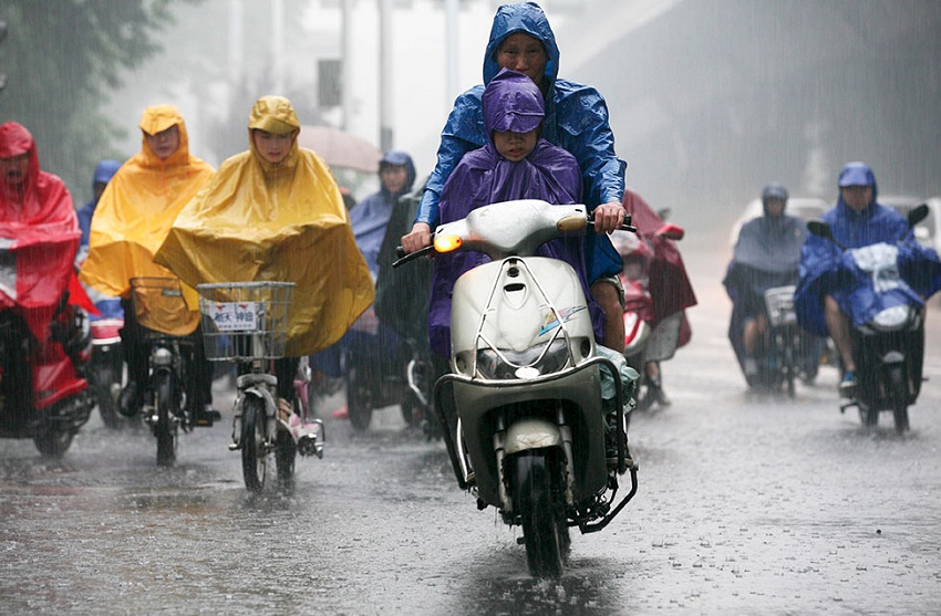 Indumentaria para Coducción moto con lluvia por Ibiza