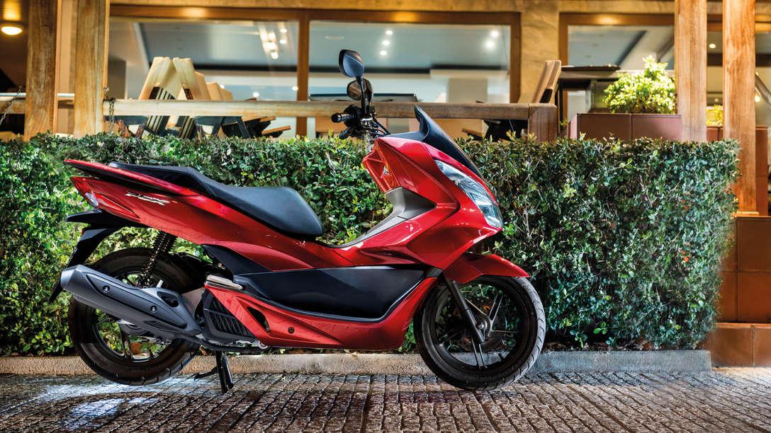 Honda PCX alquiler moto Ibiza