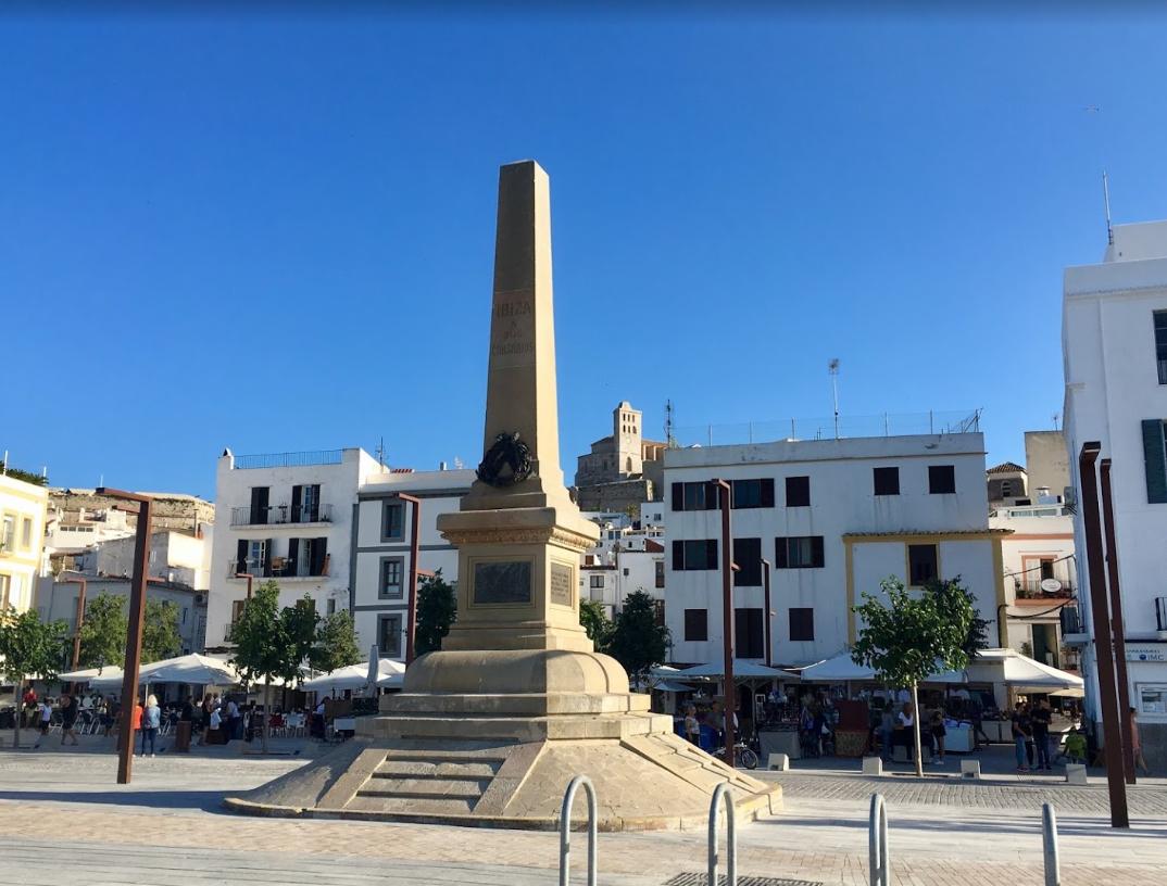 Escultura corsarios ibiza tour rent a car Ibiza