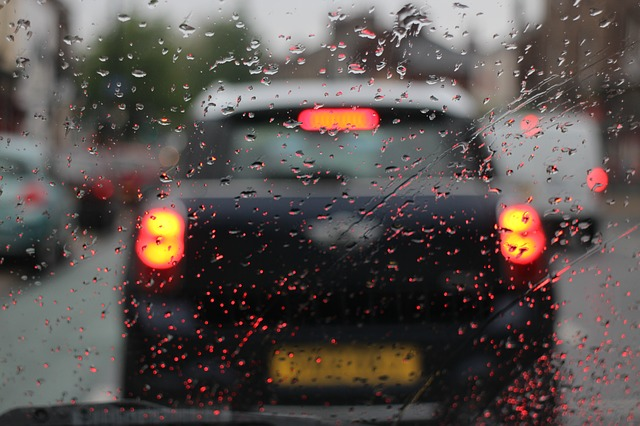 conducir con lluvia retencion