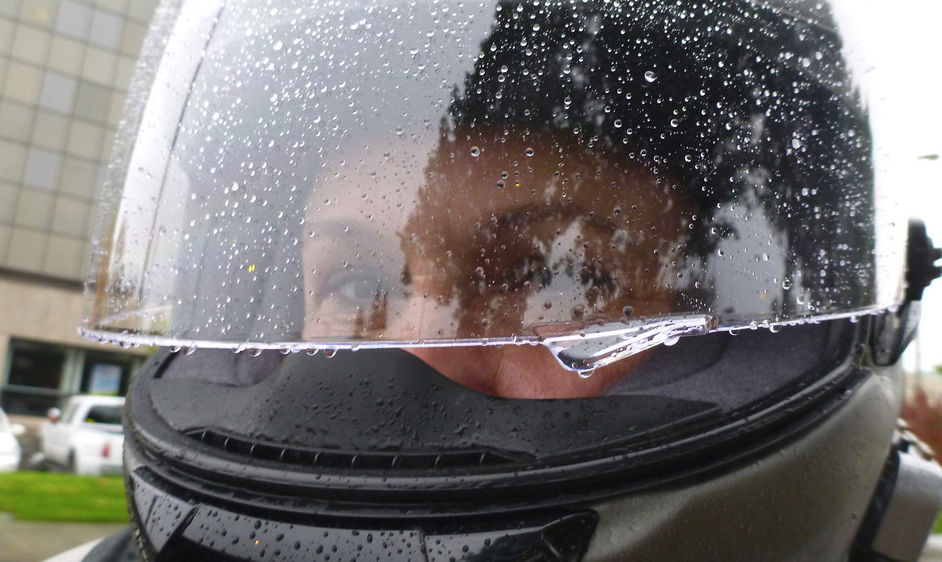 Lámina antivaho casco alquiler moto ibiza