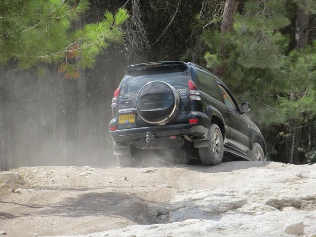 Todo terreno rent a car Ibiza bajar pendiente