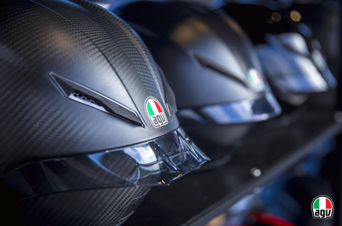 casco AGV alquiler moto Ibiza