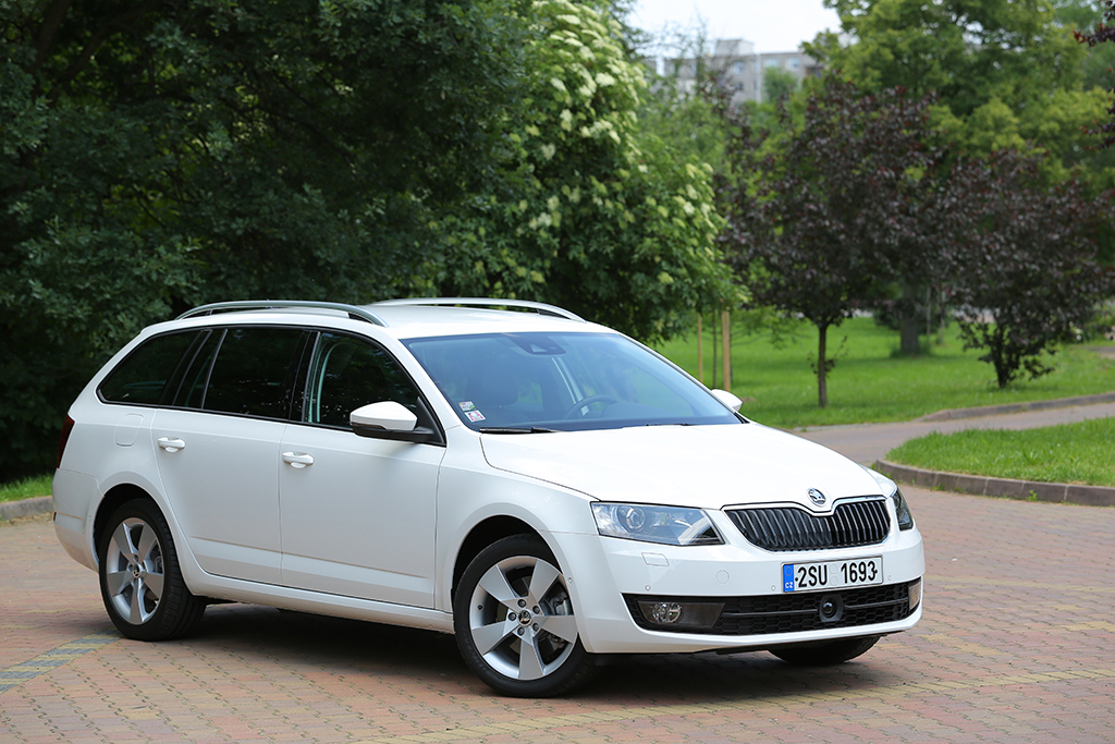 Skoda octavia station wagon rent a car Ibiza