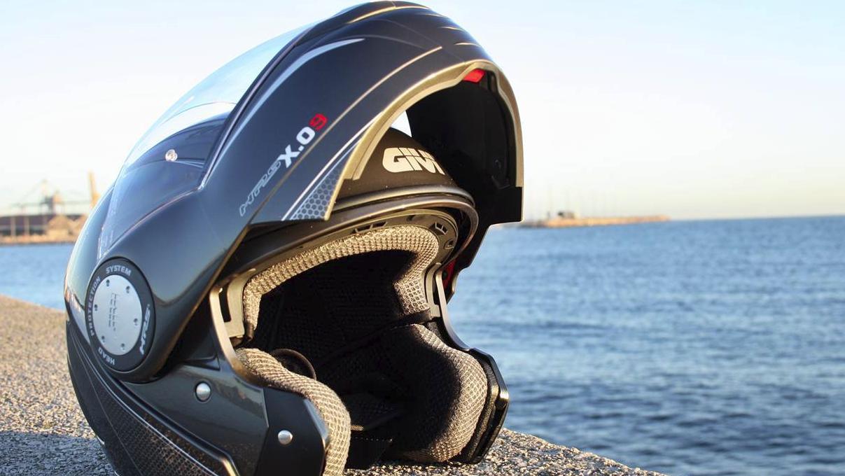 mejor casco convertibles alquiler moto Ibiza