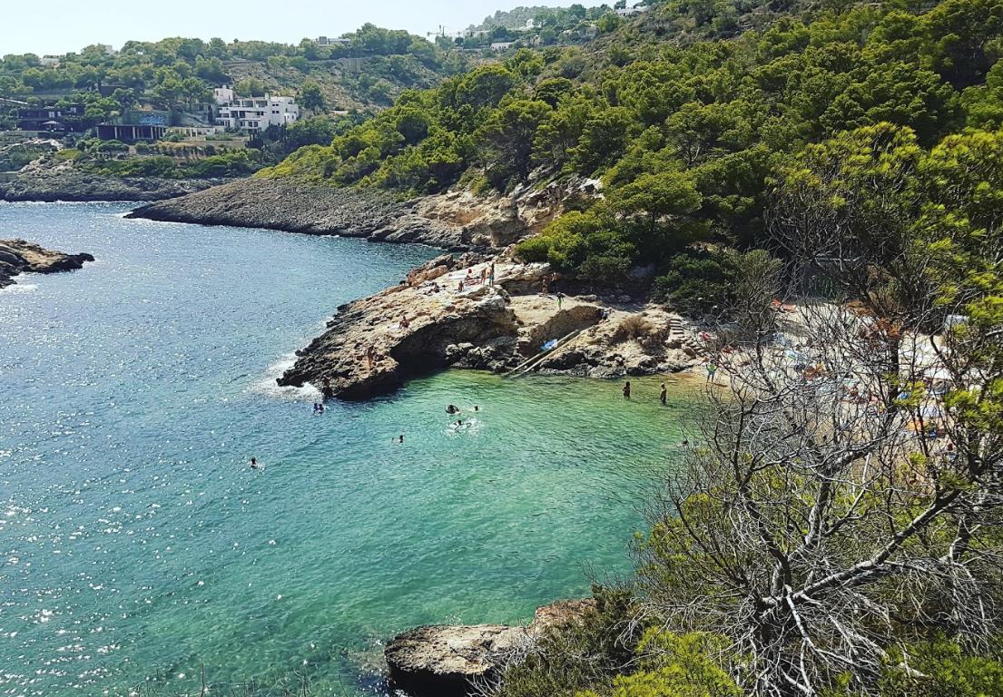 Cala Olivera rent a car Ibiza